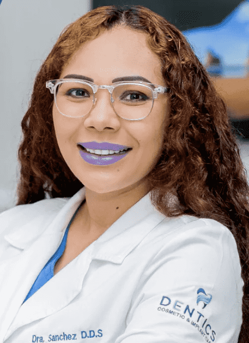 Dr. Naxhiely - Dentist in Mexico
